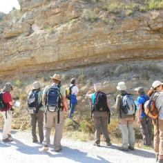 Atentos a la explicación del geólogo