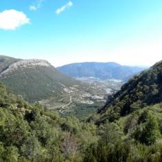 Valle de Arguís. Al fondo el pantano.
