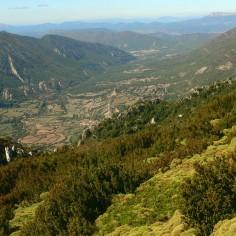 Valle de Rasal. Al fondo San Juan de la Peña