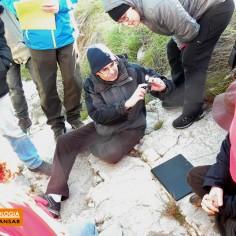 Manejo de la brújula de geólogo