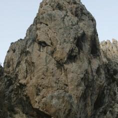 Espectacular roca, por su forma llamada El orco