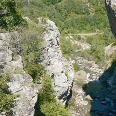 08.- Garganta de Sta Elena, abajo rocas transportadas por el glaciar