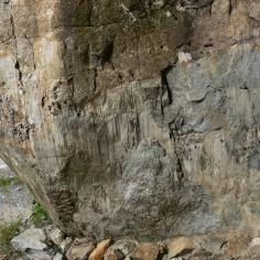 19.- Espejo de falla sobre la granodiorita. Panticosa