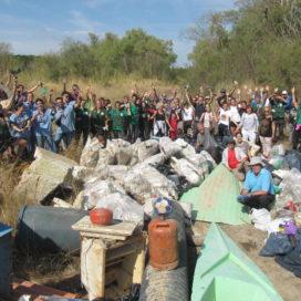 Limpieza del Soto del Francés por voluntarios.